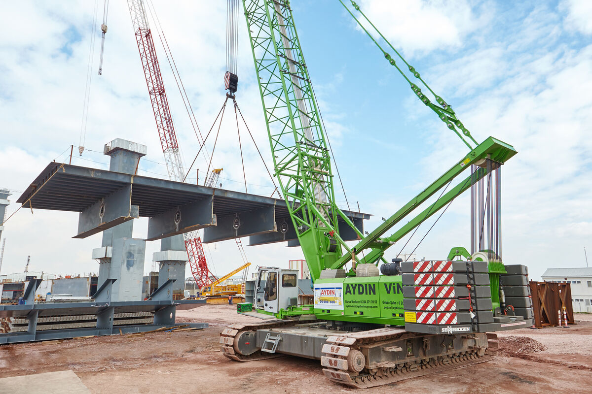 Crawler crane 5500 - above ground construction