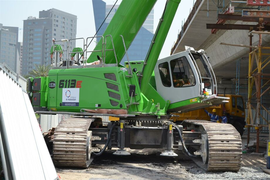 SENNEBOGEN 6113 E Telecrane / Telescopic crane for construction sites / construction site crane Bridge construction