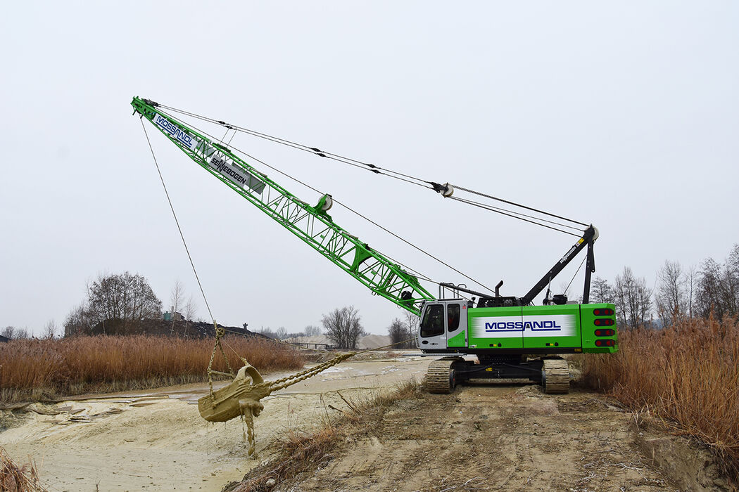 55 t duty cycle crane SENNEBOGEN 655 extraction quarrying dragline bucket