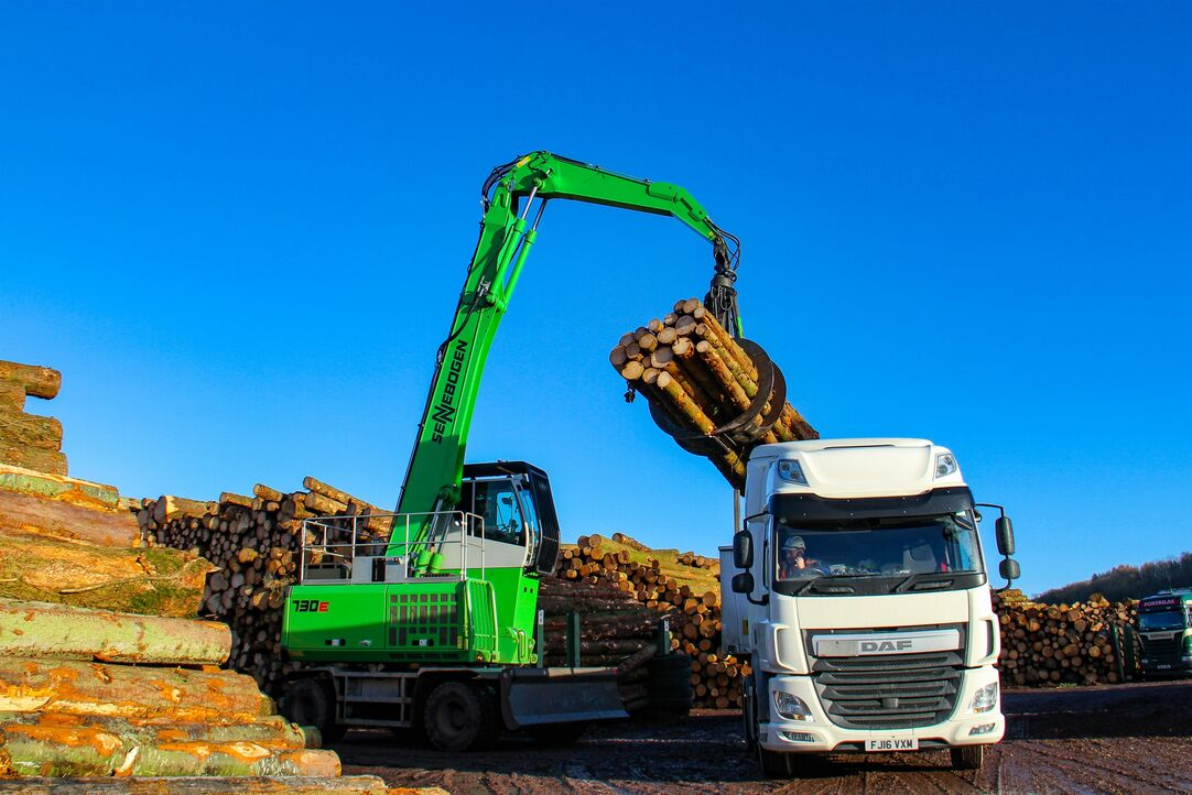 Material handler in Pick and Carry operation at saw mill, Great Britain, Pontrilas Timber