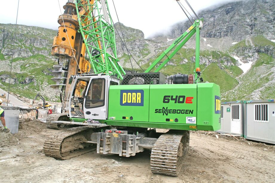 SENNEBOGEN 640 E crawler Duty cycle crane Hydro duty cycle crane Dragline Special below ground construction Power plant maintenance