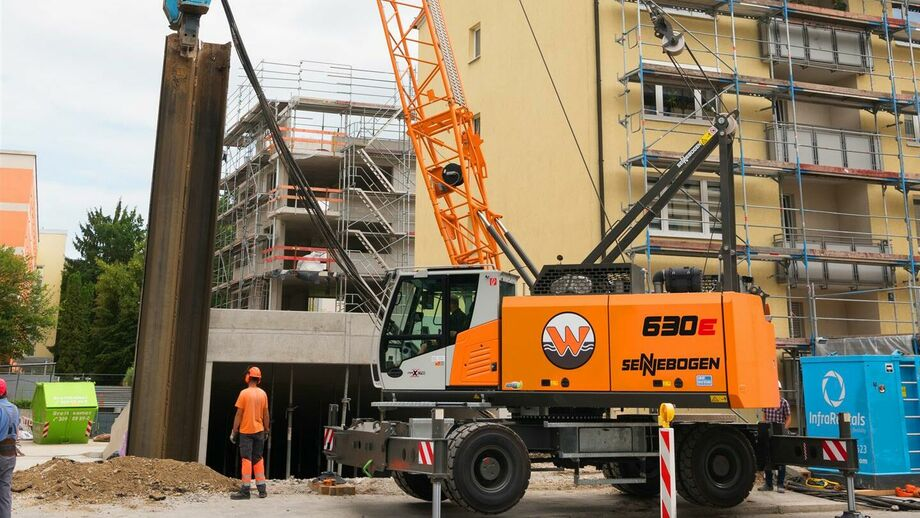 SENNEBOGEN 630 E Mobile duty cycle crane special below ground construction
