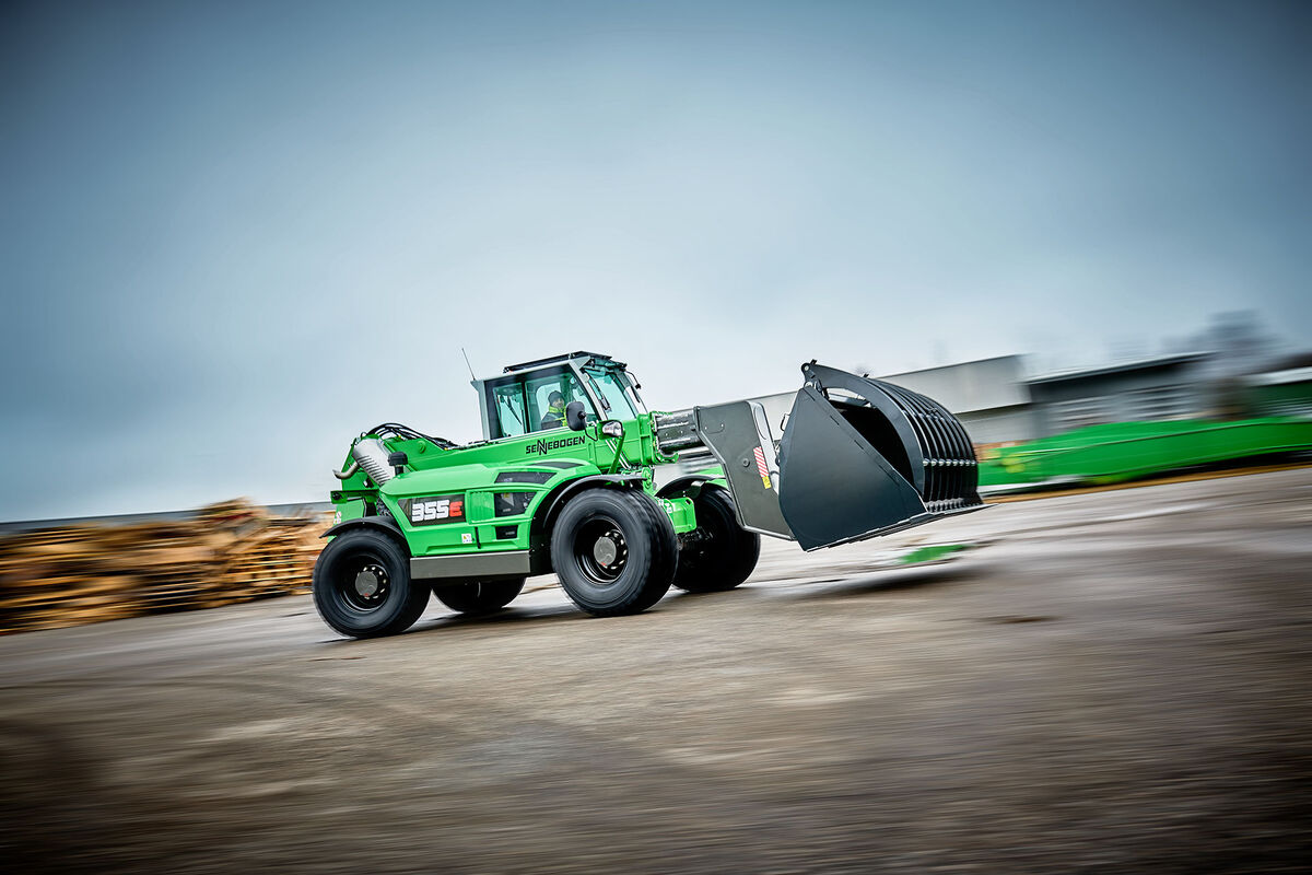 SENNEBOGEN telehandler teleloader 355 speed hold down shovel elevatiing cab recycling