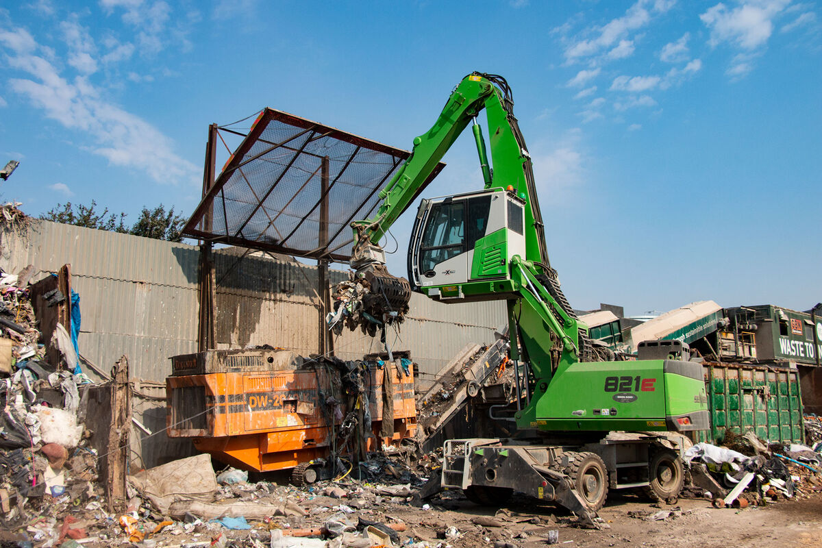 SENNEBOGEN 821 E Mobile material handler – Waste recycling / recycling