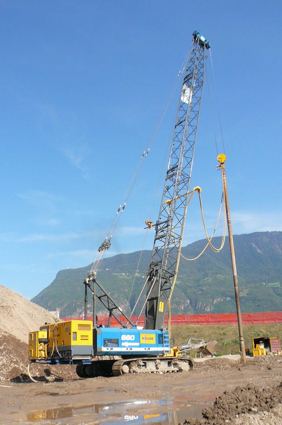 SENNEBOGEN 690 Crawler Duty cycle crane Dragline Hydro duty cycle crane Ground compaction
