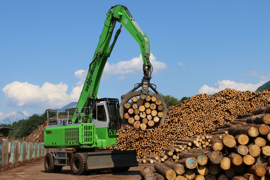 SENNEBOGEN 735 E Mobile material handler Timber handling Removal Sorting lines Sawmill Log yard Log Tree trunks