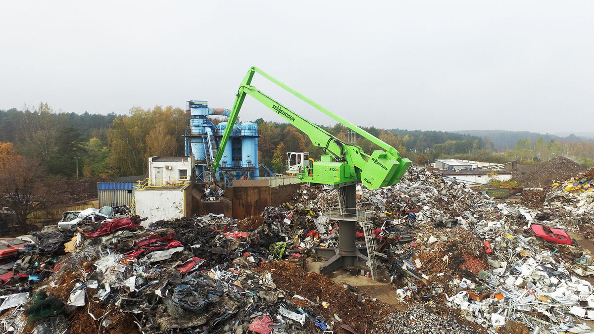 SENNEBOGEN Balancer 8100 EQ balance material handler scrap handling with extensive reach
