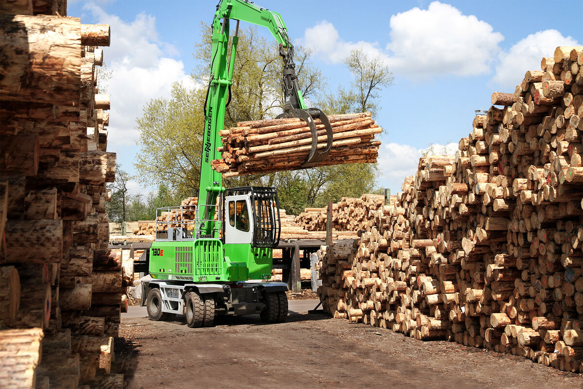 SENNEBOGEN 730 E material handler for timber handling in sawmills and at log yards