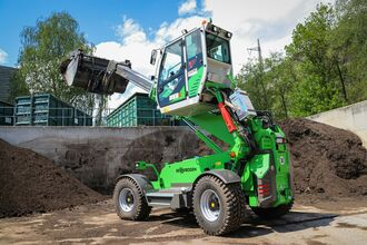 SENNEBOGEN telehandler 355 E with elevating cabin, waste recycling, Austria