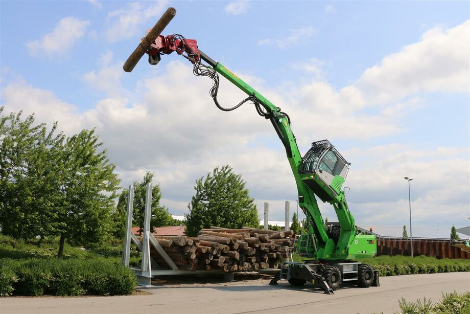 SENNEBOGEN 718 E Forestry material handler / Material handler for embankment maintenance