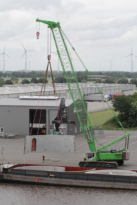 SENNEBOGEN 5500 robust and powerful crawler crane Heavy load handling