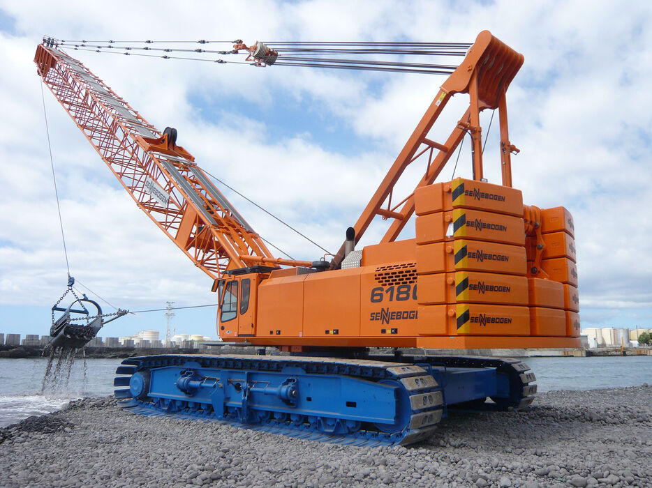 180 t duty cycle crane SENNEBOGEN 6180 dredging dragline bucket