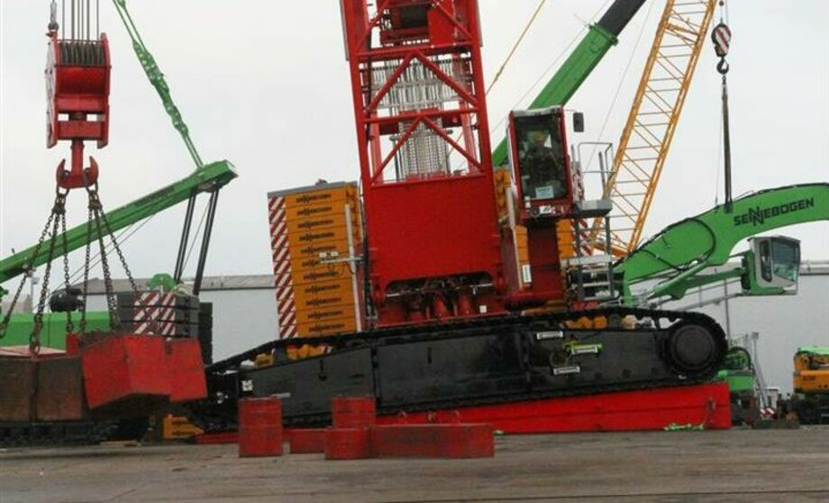 SENNEBOGEN 7700 Crawler crane Lattice boom crane Offshore Incline