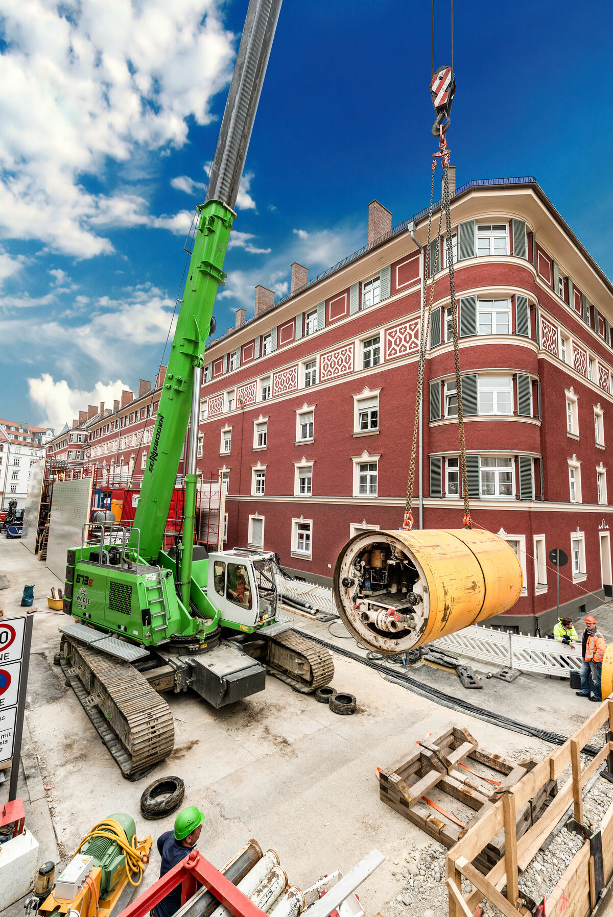SENNEBOGEN 673 E crawler telescopic crane for supporting underground pipe jacking work