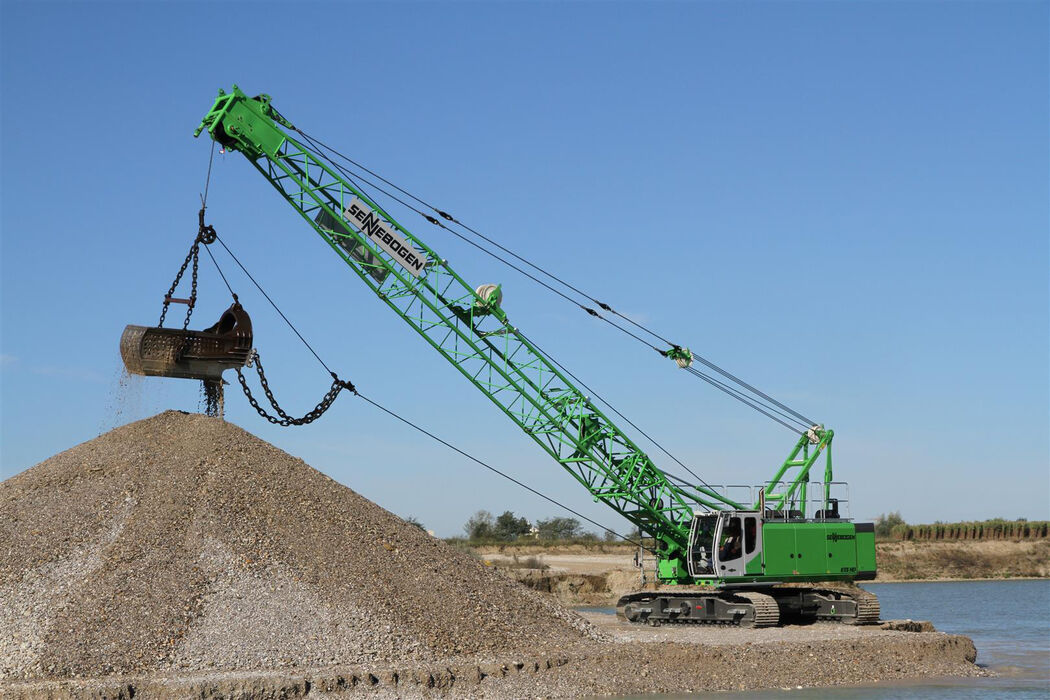 55 t duty cycle crane SENNEBOGEN 655 E gravel extraction quarrying dragline bucket
